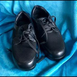 Propet Black Walking Comfort Shoes 7 Wide